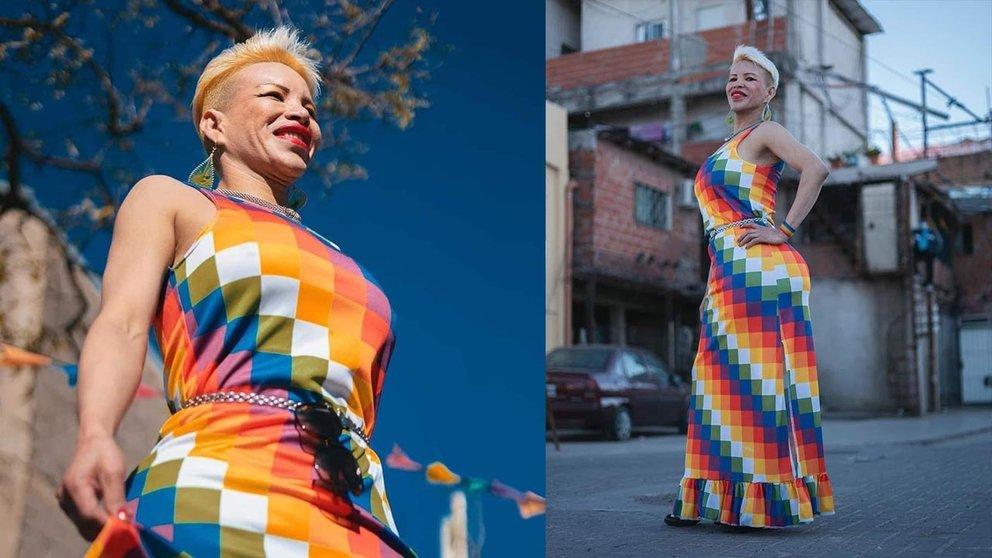En Argentina realizan desfile de moda trans; una participante usó vestido de wiphala./ Julieta Bugacoff