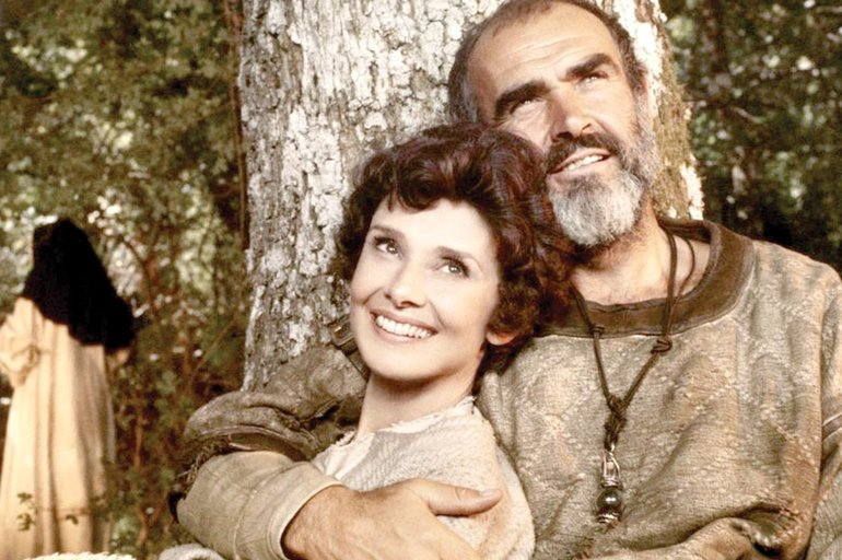 Sean Connery, en 'Robin y Marian', con Audrey Hepburn.       CORDON PRESS