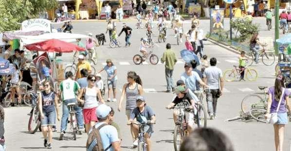 El Día del Peatón que nació en Cochabamba ahora es nacional - Cochabamba -  Opinión Bolivia