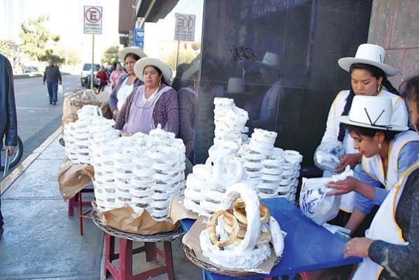 A degustar maní y rosquete - Tendencias - Opinión Bolivia