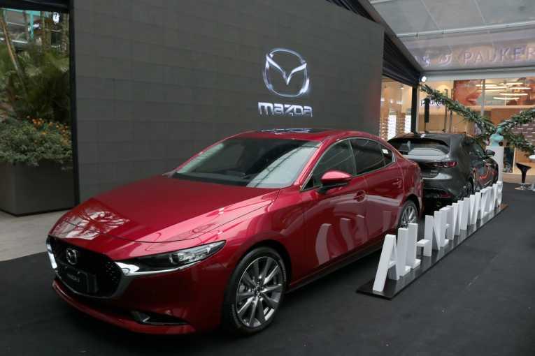 Imcruz presenta al New Mazda 3 en Santa Cruz - Tendencias - Opinión Bolivia