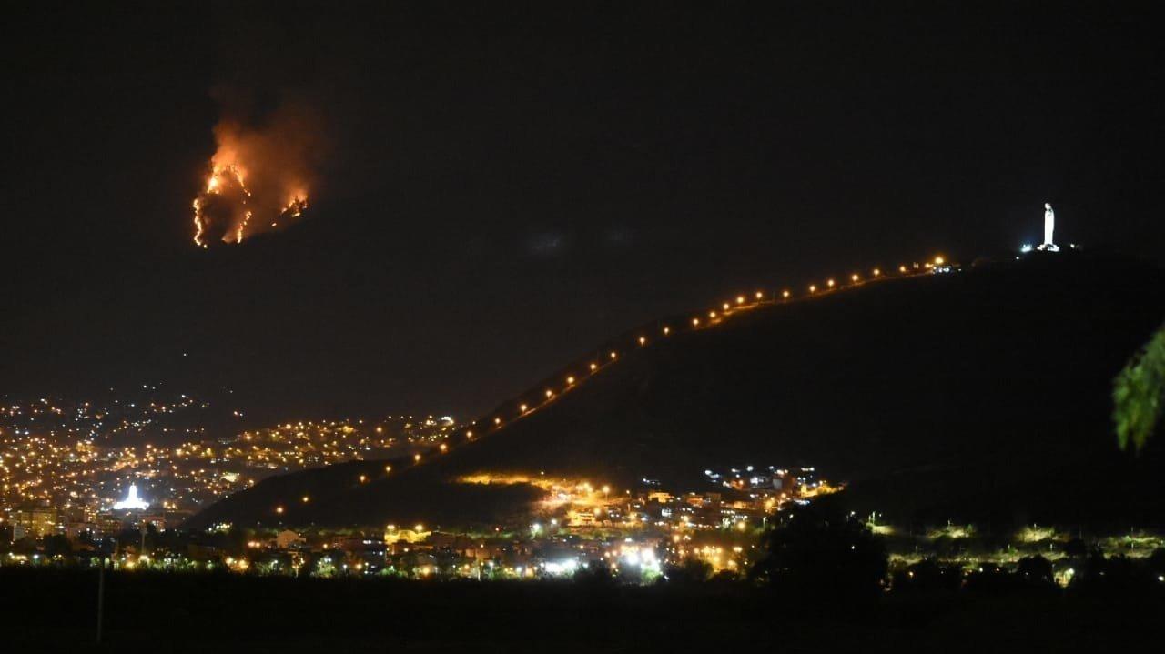 Grave Incendio En El Tunari Voluntarios Reportan Dificutades Por Bloqueos Cochabamba Opinión Bolivia