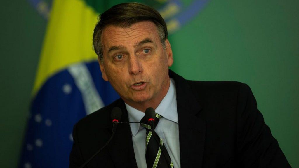 Bolsonaro envía al Congreso proyecto para abrir tierras indígenas a la minería