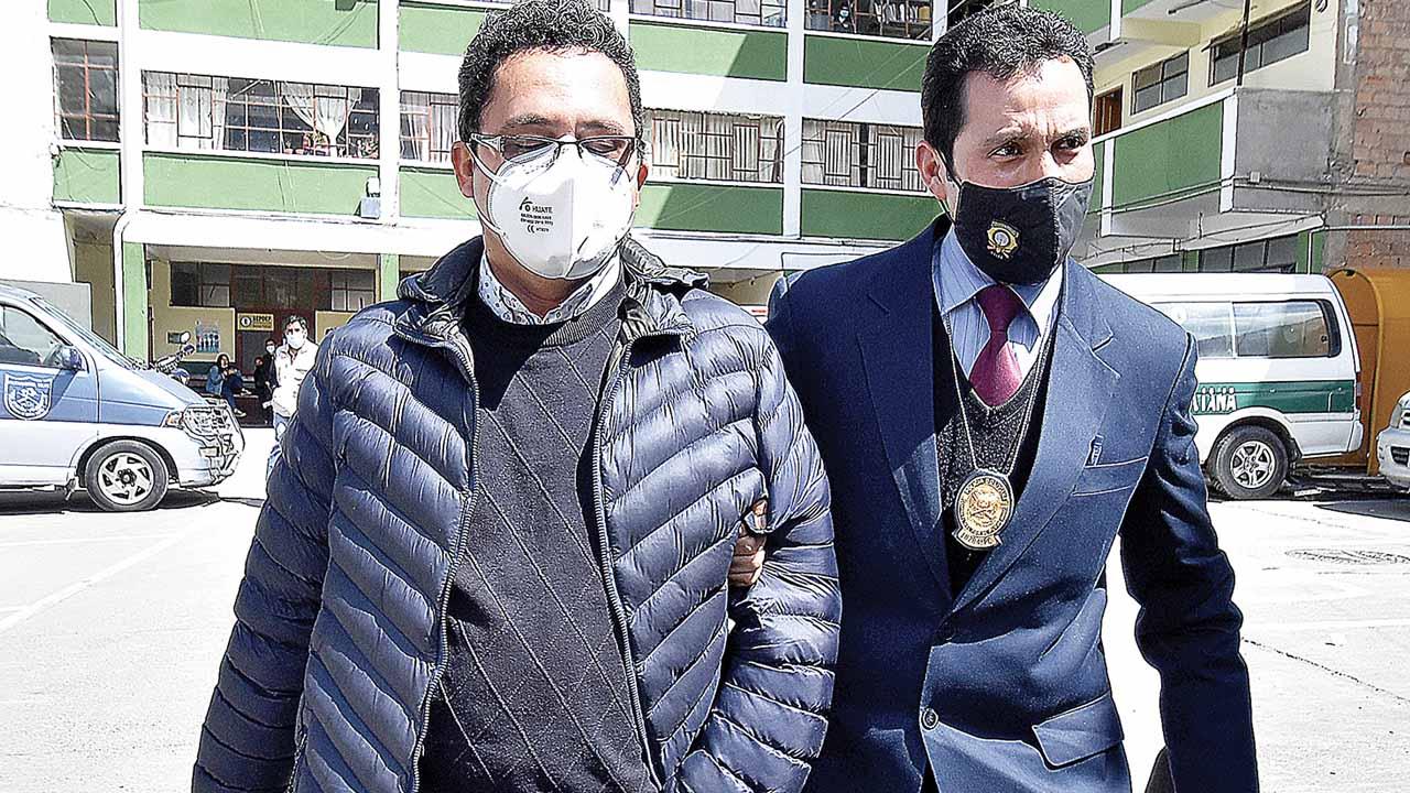 Piden cárcel para exgerente de ENTEL y denuncian otros 3 casos de  corrupción - El País - Opinión Bolivia